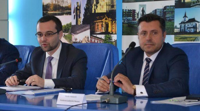Ministrul Gabriel Petrea si prefectul Vasile Panaite