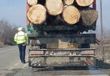 Momentul opririi primului camion, filmat de primarul Mihai Gontaru
